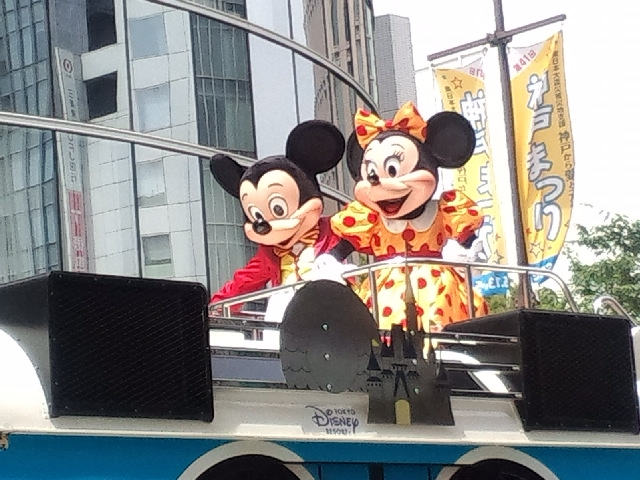 こうべまつりのディズニーパレード