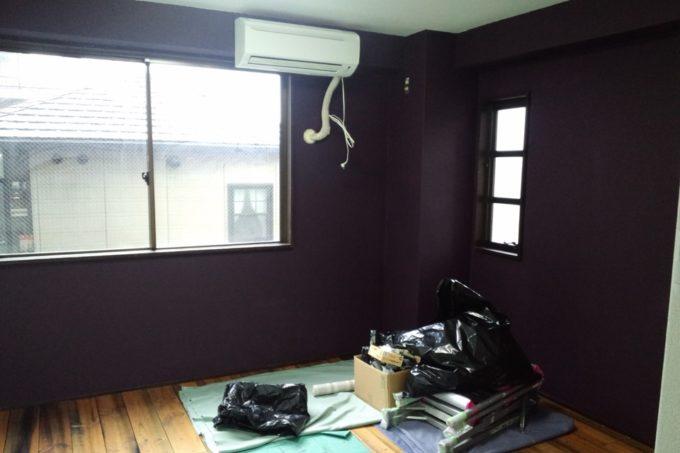 紫色の壁セルフペイント完成