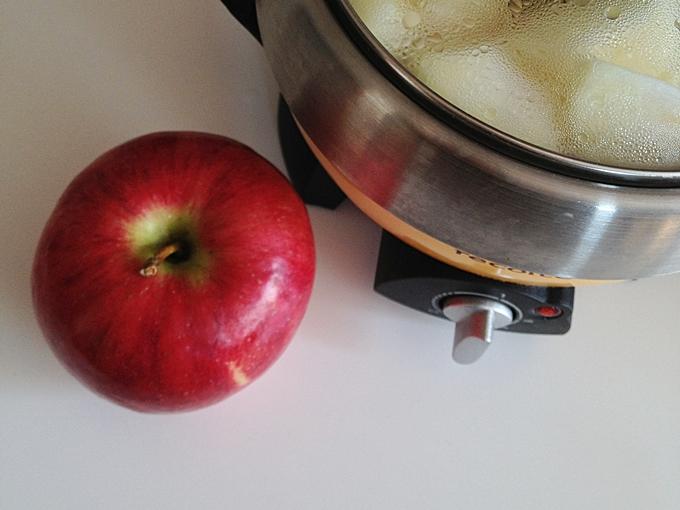 林檎を煮ました