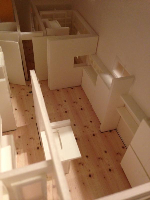 昭和ガラスの家の模型