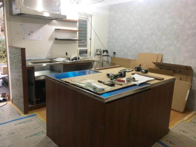 オーダーキッチン施工中