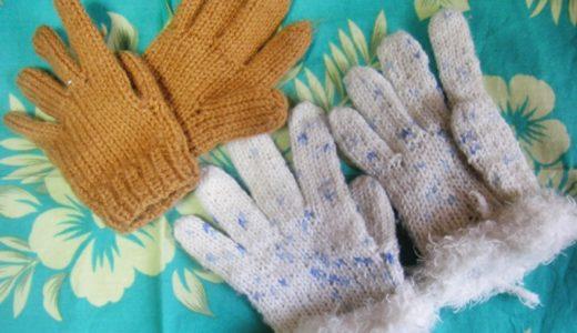 手編みの子ども用マフラーと手袋、そして雪の日