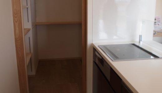 Web内覧会*キッチン横のパントリー